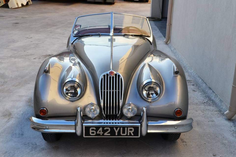 1954 JAGUAR XK140 Roadster