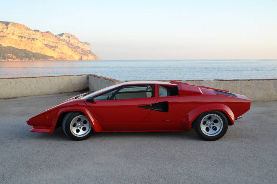 for sale 1981 lamborghini countach lp 400s. Black Bedroom Furniture Sets. Home Design Ideas